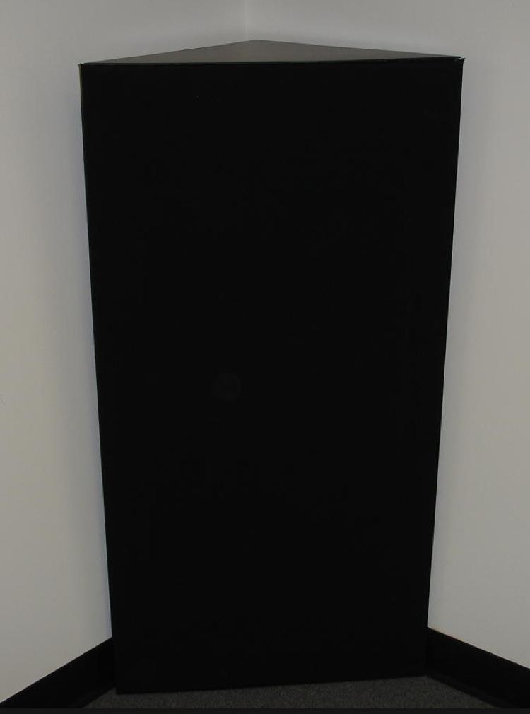 GIK TriTrap Hjørne Bassfelle med Range Limiter 50-400Hz Sort 120x59cm (H/B) 1stk