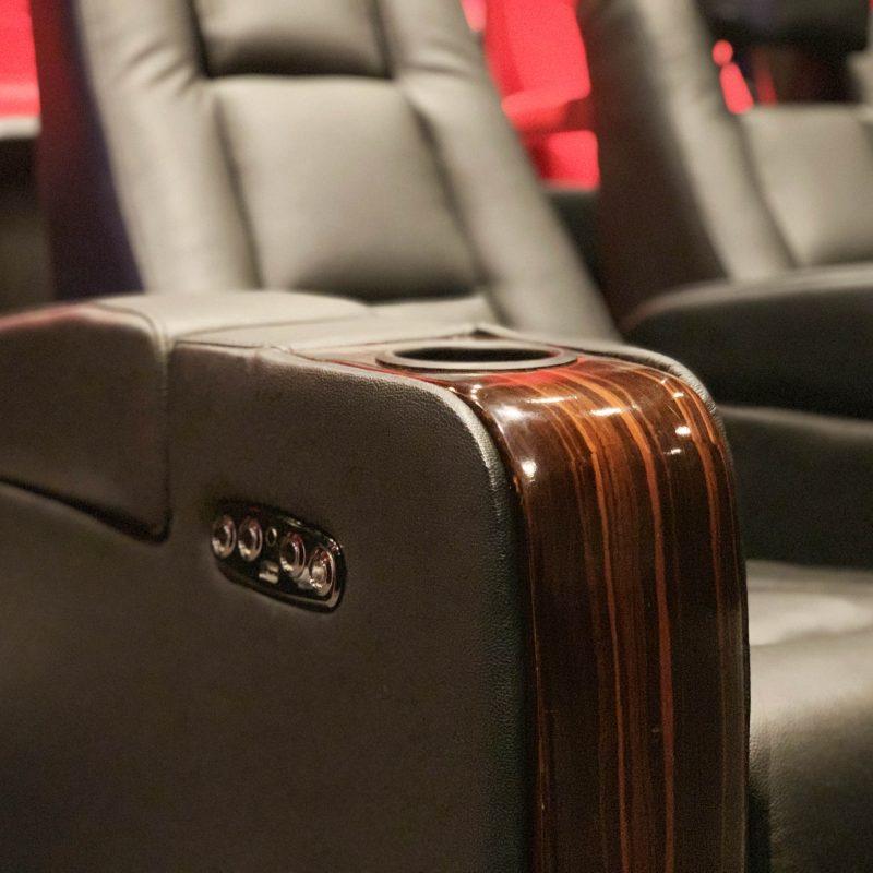 Motoriserte kinostoler