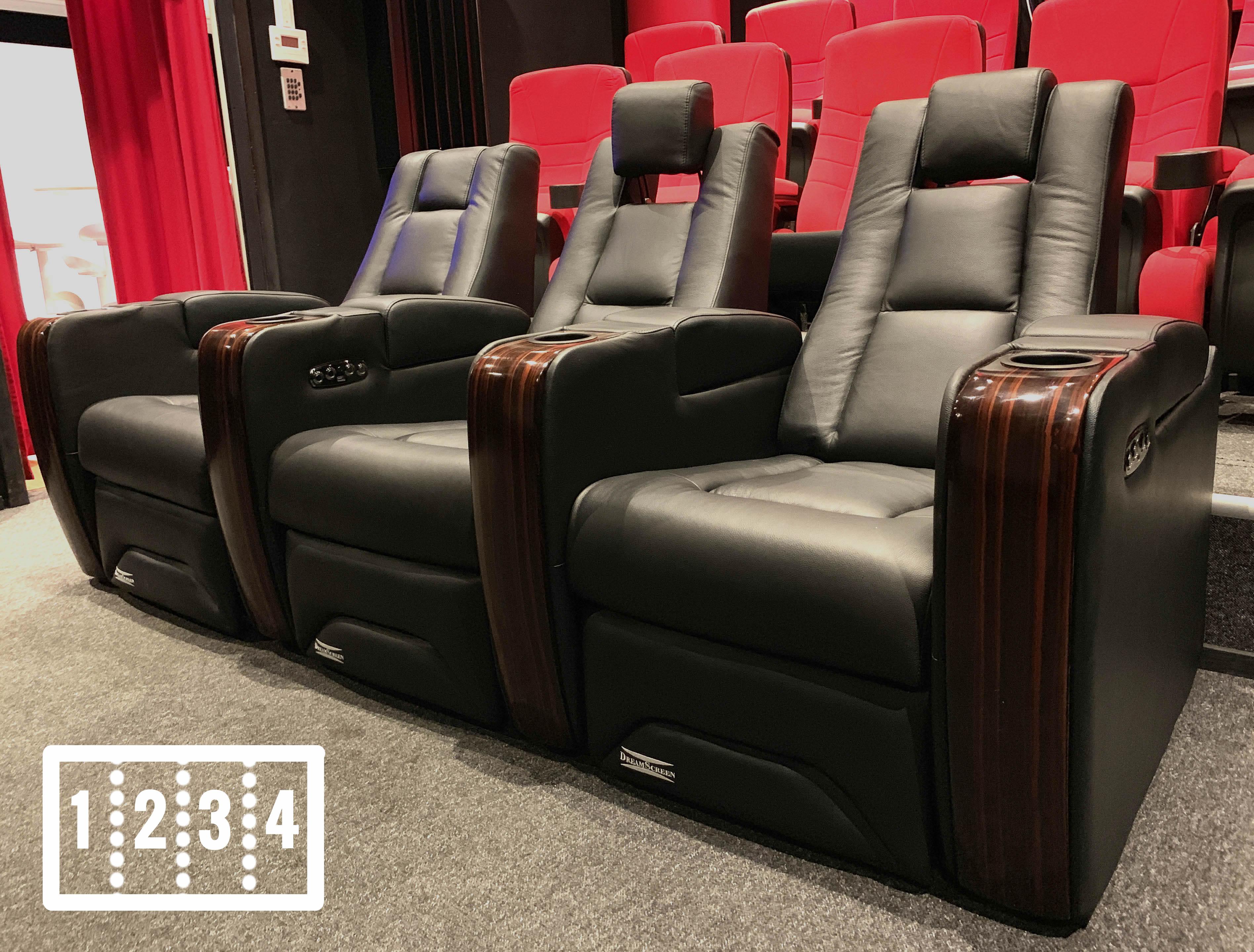 DreamScreen CineSeat ProMotor v4 Motorisert Recliner 4-seter Skinn Sort LOVESEAT