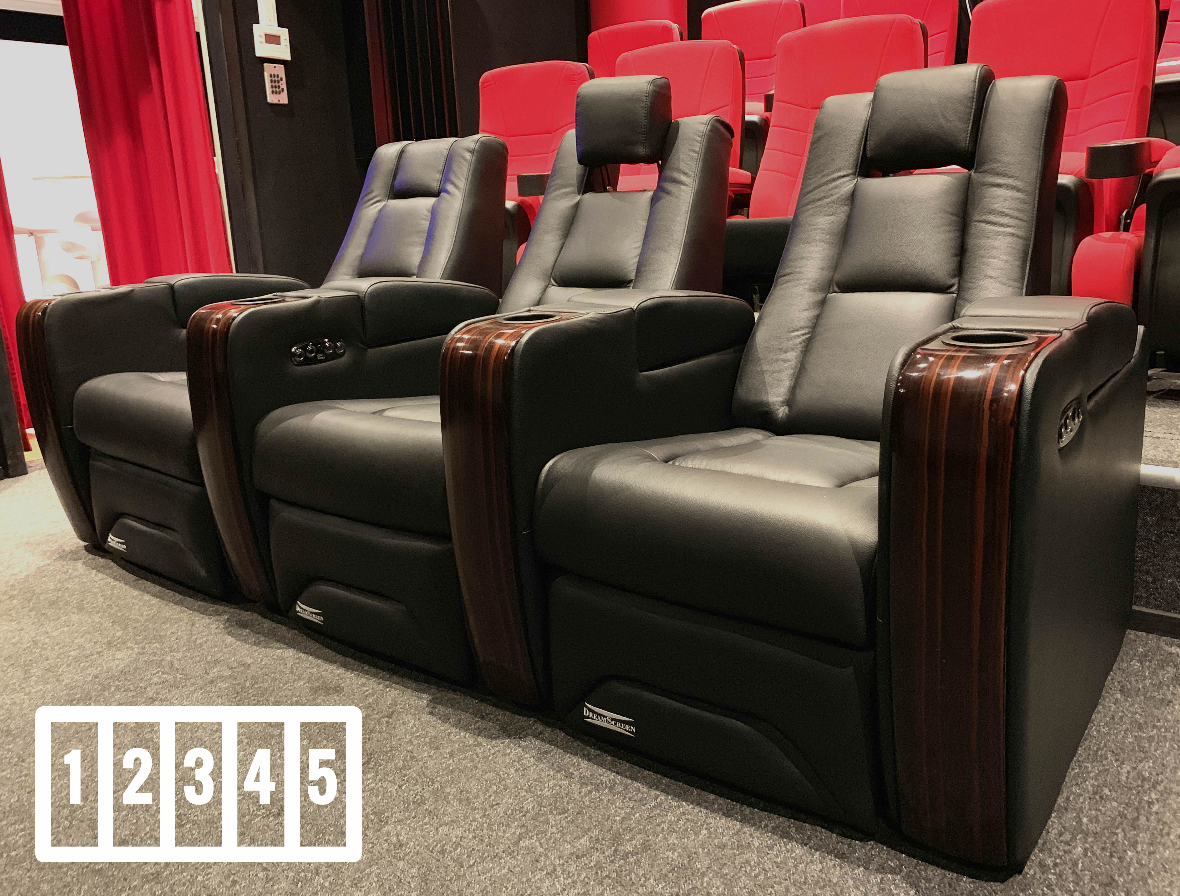 DreamScreen CineSeat ProMotor v4 Motorisert Recliner 5-seter Skinn Sort